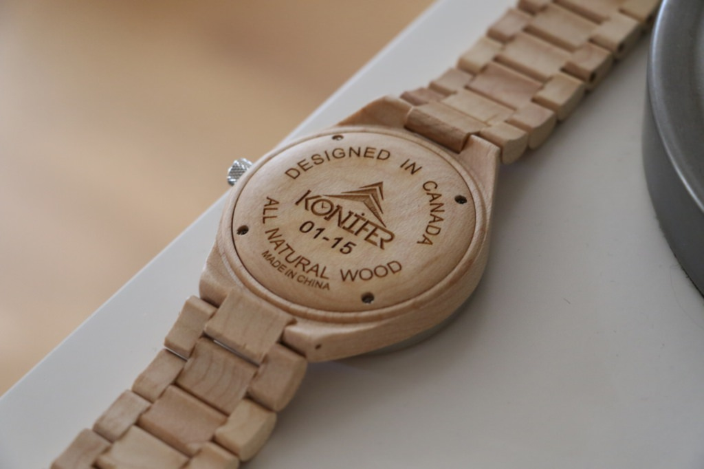 montre-en-bois-photo