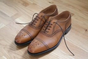 Semi brogue Loake