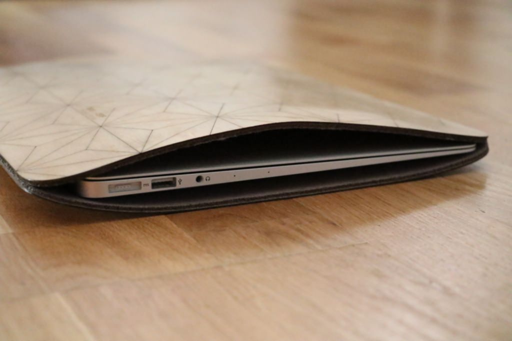 pochette-macbook-air-en-bois